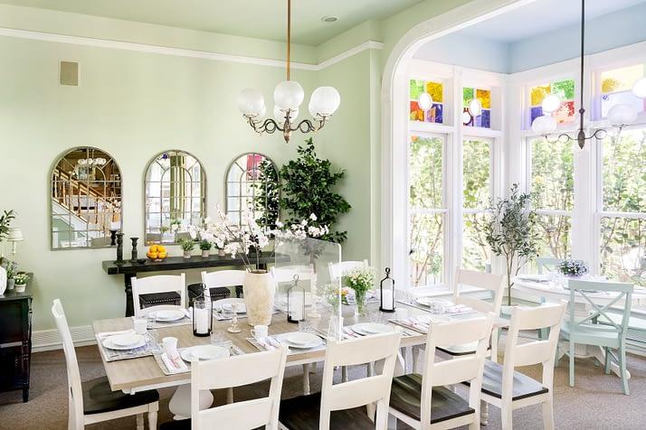 Dining with plexiglass at Garden St Inn